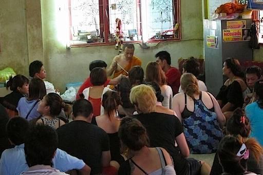 Wat Bang Phra crowding